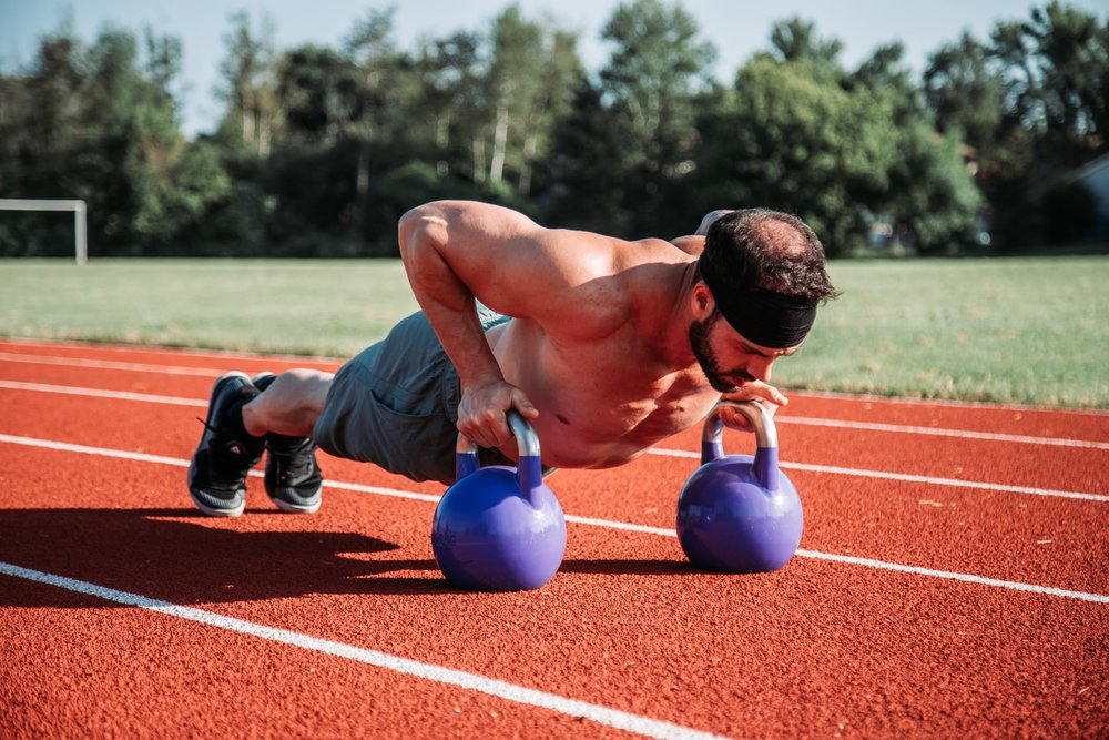 Using kettlebells can be good HIIT for beginners